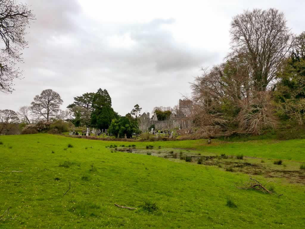 Wild Atlantic Way Ireland Killarney Muckross Abbey Distance