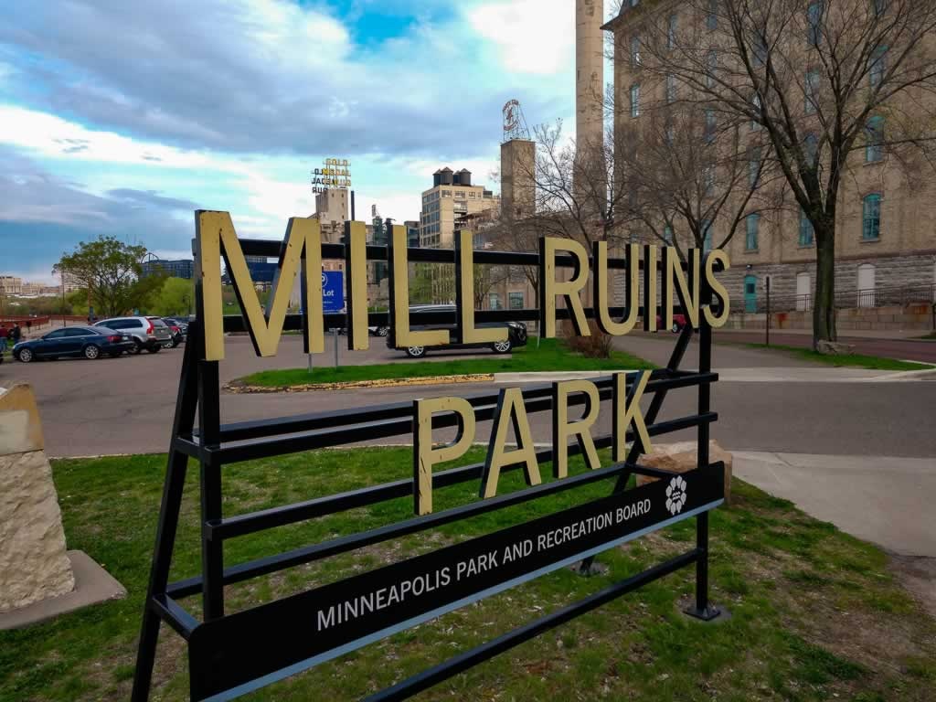 Minneapolis 09 Mill Ruins Park Sign