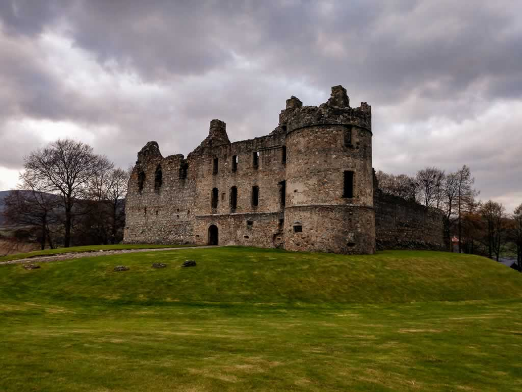 highlands balvenie castle 02
